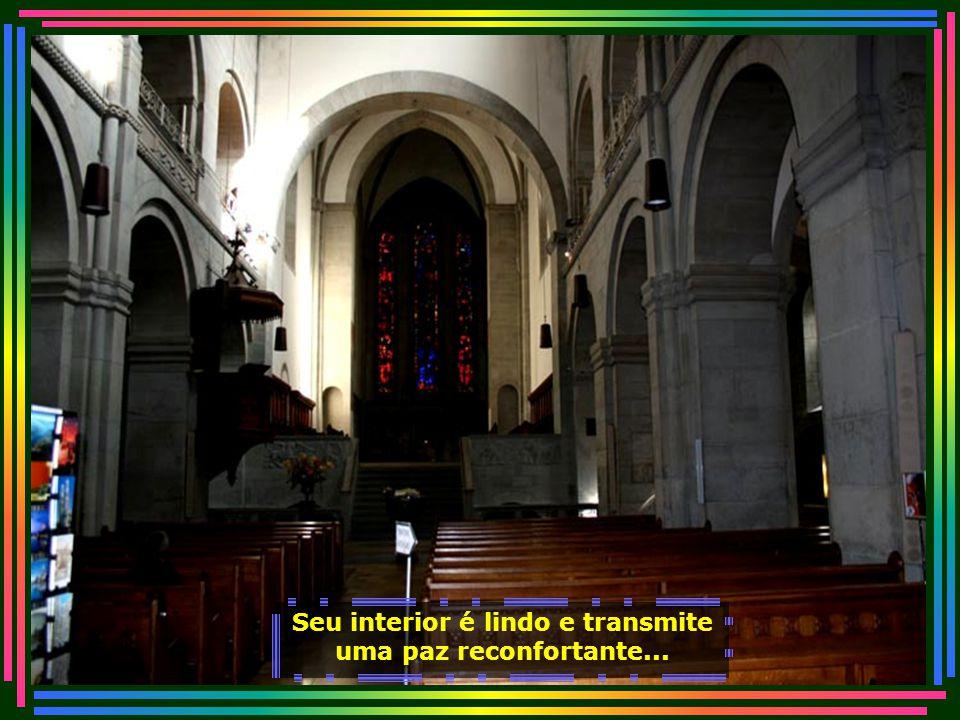Vista da bela igreja luterana de Zurique. A igreja surgiu a partir do questionamento do catolicismo medieval feito pelo monge alemão Martinho Lutero (