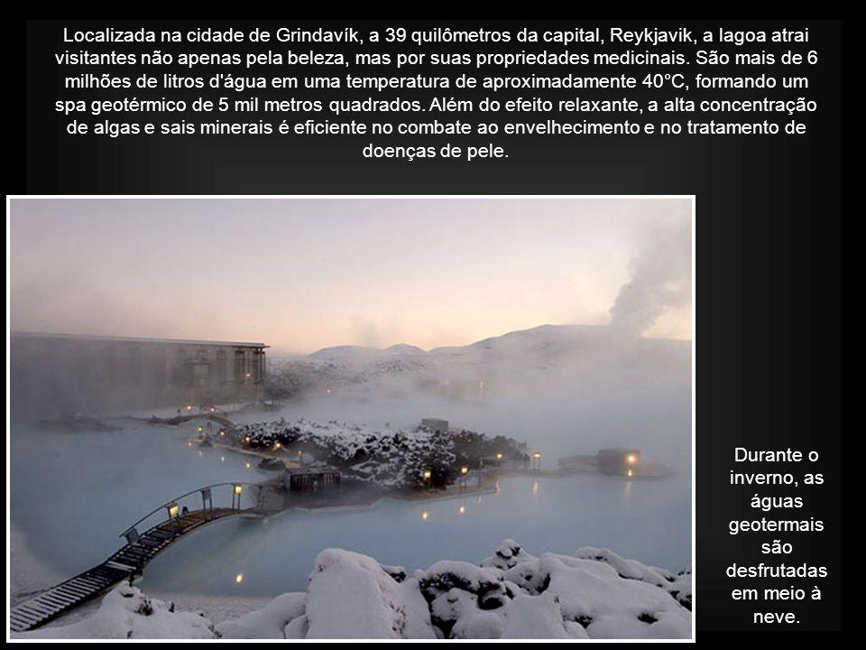 Durante o inverno, as águas geotermais são desfrutadas em meio à neve.