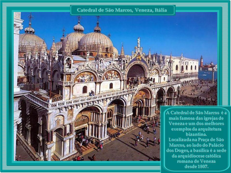 Catedral de São Marcos, Veneza, Itália Catedral de São Marcos, Veneza, Itália A Catedral de São Marcos é a mais famosa das igrejas de Veneza e um dos melhores exemplos da arquitetura bizantina.