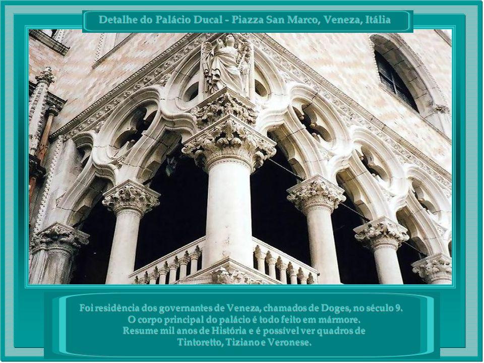 Detalhe do Palácio Ducal - Piazza San Marco, Veneza, Itália Foi residência dos governantes de Veneza, chamados de Doges, no século 9.