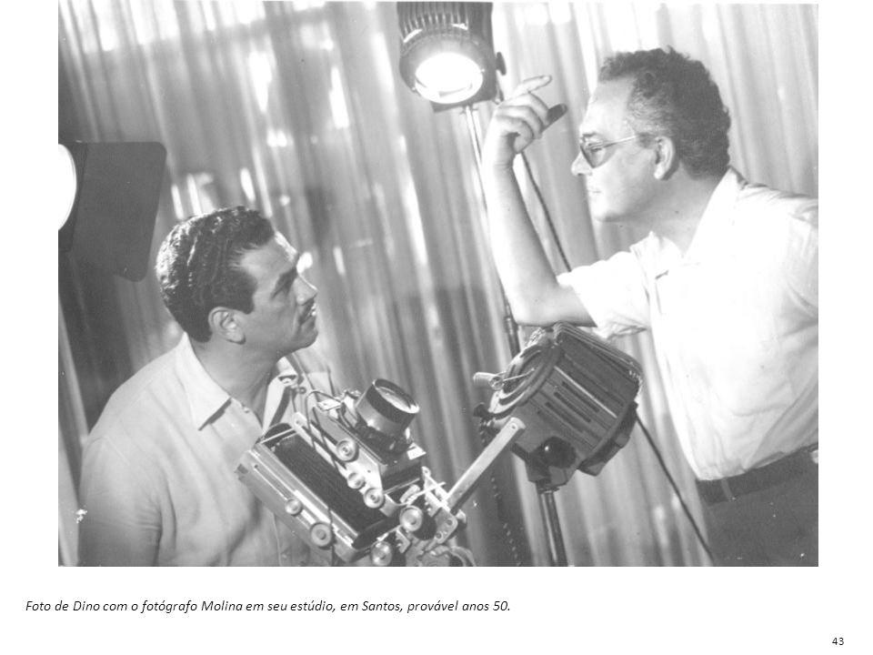 Foto de Dino com o fotógrafo Molina em seu estúdio, em Santos, provável anos 50. 43