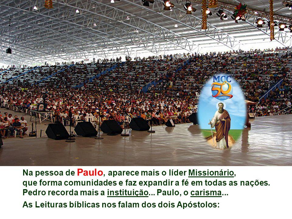 Relembrando as figuras de São Pedro e São Paulo, perguntemo-nos: - Damos testemunho de Cristo, como eles, no ambiente em que vivemos.