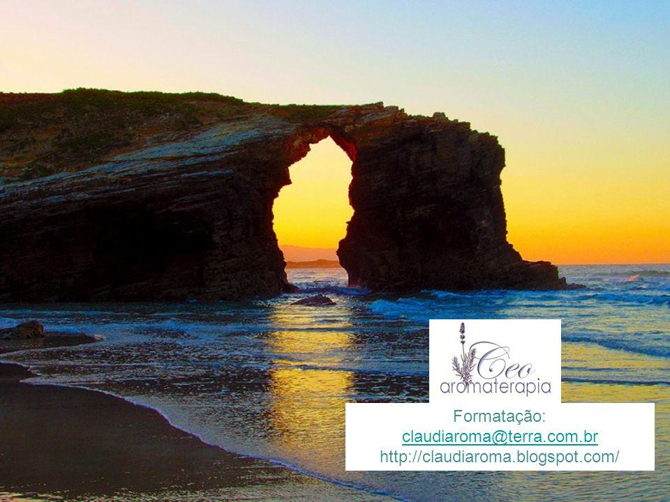 Imagens: José Miguel Martinez A Praia das Catedrais é o nome turístico da Praia de Águas Santas, situada no município de Ribadeo na costa da Província