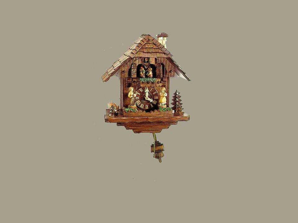 A tradição artesanal dos relógios cuco, esculpidos em madeira, na Floresta Negra em Baden-Württemberg na Alemanha, remonta a mais de dois séculos.