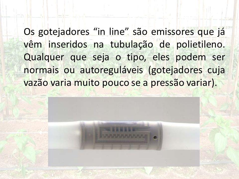 Os gotejadores in line são emissores que já vêm inseridos na tubulação de polietileno.