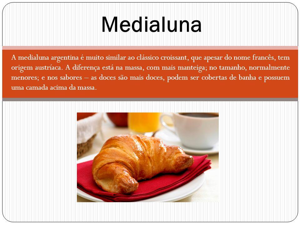 A medialuna argentina é muito similar ao clássico croissant, que apesar do nome francês, tem origem austríaca. A diferença está na massa, com mais man