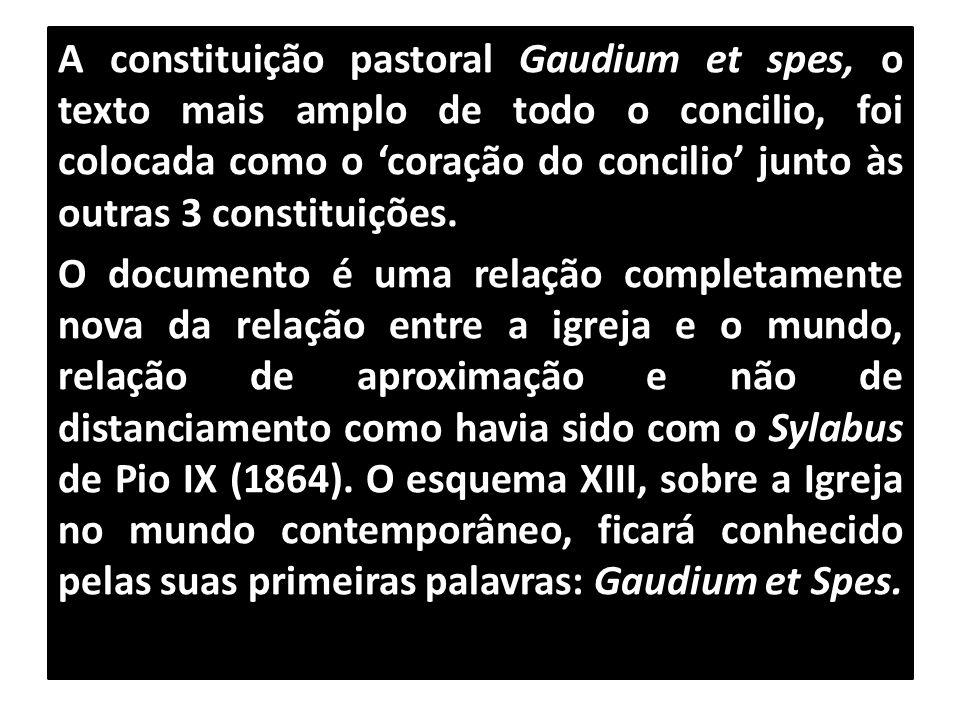 A constituição pastoral Gaudium et spes, o texto mais amplo de todo o concilio, foi colocada como o 'coração do concilio' junto às outras 3 constituiç