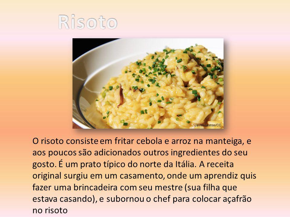 O risoto consiste em fritar cebola e arroz na manteiga, e aos poucos são adicionados outros ingredientes do seu gosto. É um prato típico do norte da I