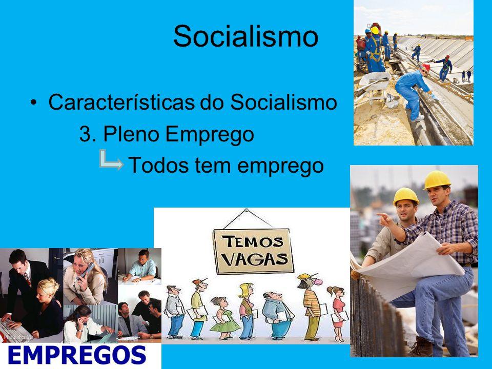 Socialismo •Características do Socialismo 2. Economia Planificada O que, quanto, como e onde se produz algo é definido pelo governo em um PLANO.