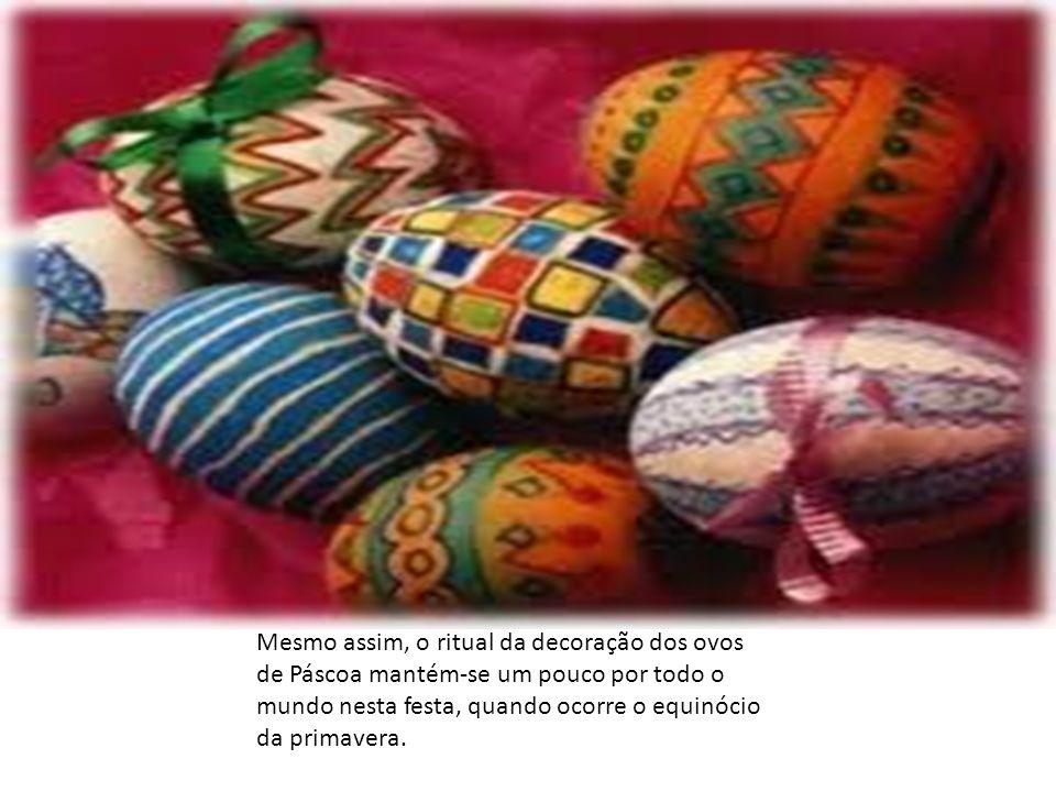 Um ritual importante ocorria no equinócio da primavera, onde os participantes pintavam e decoravam ovos (símbolo da fertilidade) e os escondiam e enterravam em tocas nos campos.