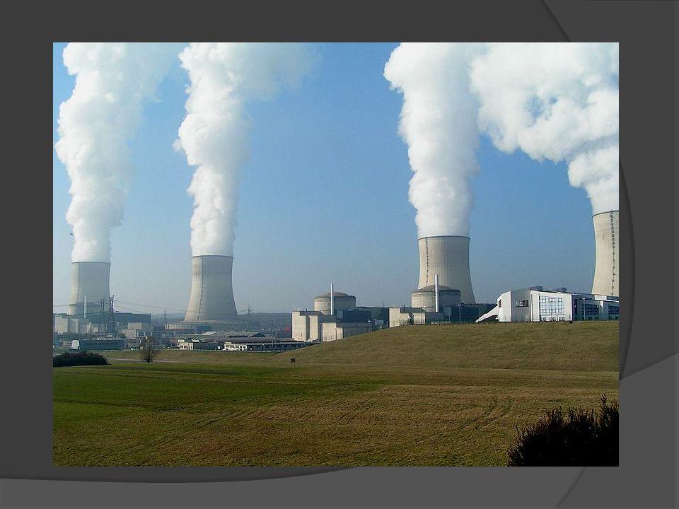 A energia nuclear também pode ser ainda utilizada na fabricação de bombas nucleares.