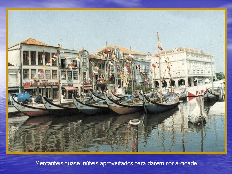 Romaria da Sra. da Saúde na Costa Nova do Prado, que antigamente trazia ao local dezenas barcas repletas de romeiros.