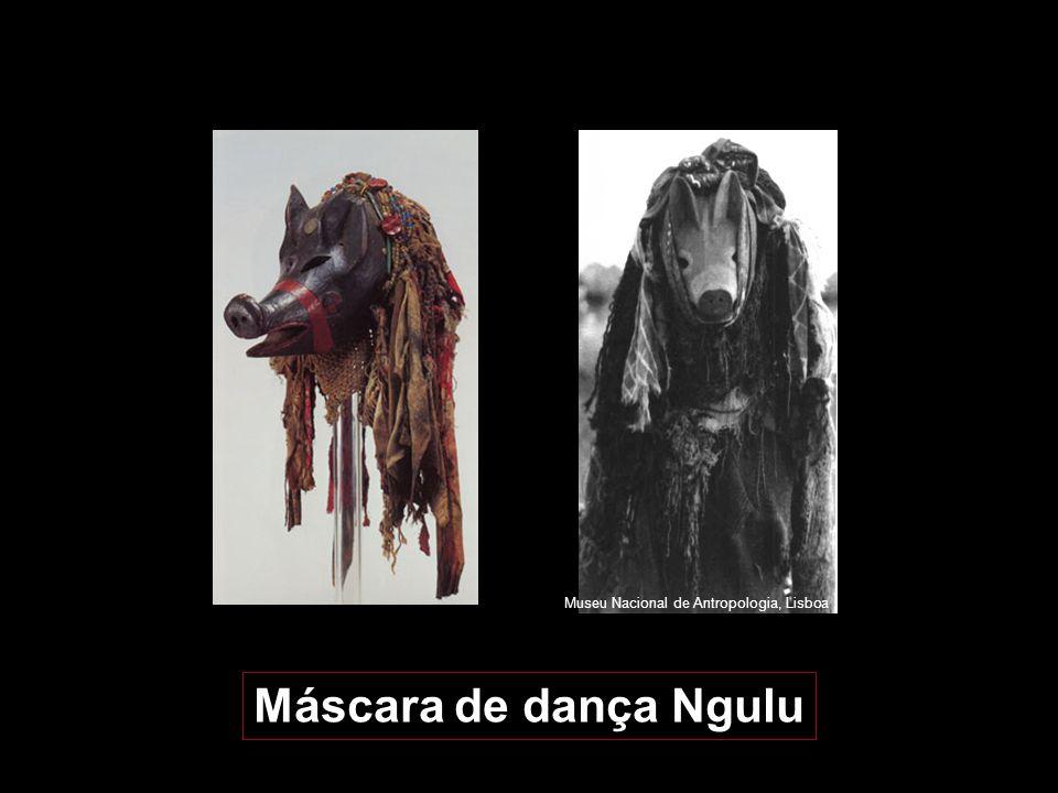 A terceira categoria é a mukishi kuhangana, ou máscara de dança. São as máscaras mais conhecidas dos Chokwé, aparecendo em numerosos museus e colecçõe