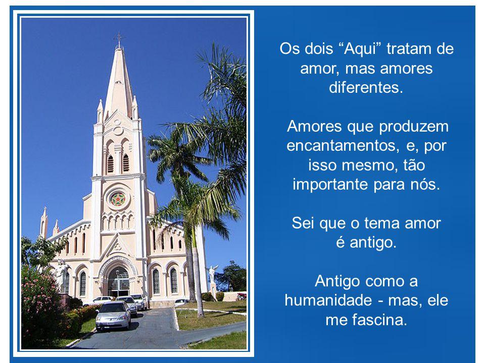 """Assim, através da sua música """"Aqui"""", a cancioneira Ana Carolina declara seu encantamento pelo ser amado, enquanto que no meu """"Aqui"""", declaro meu encan"""