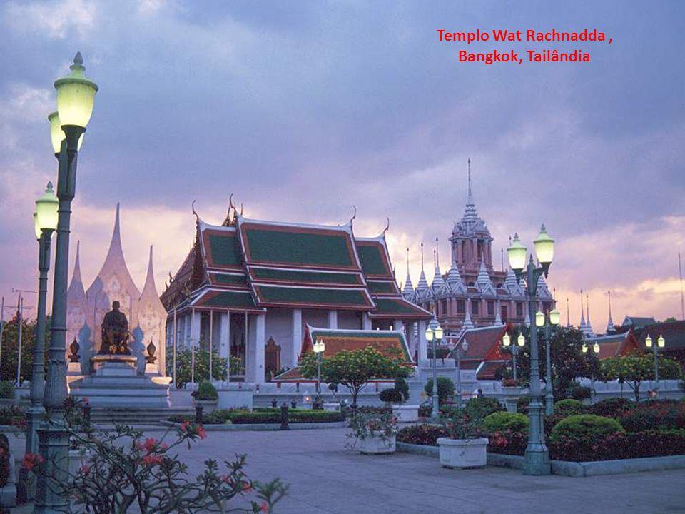 Templo Wat Rachnadda, Bangkok, Tailândia