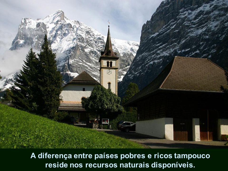 A educação e a cultura devem plasmar consciências coletivas, estruturadas nos valores eternos da sociedade: moralidade, espiritualidade e ética
