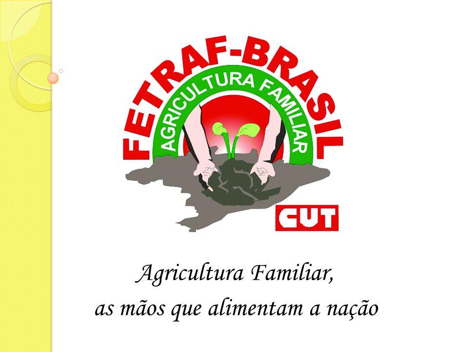 FETRAF participa da formulação de políticas públicas  Instrumento de organização sindical e social dos agricultores familiares a Federação dos Trabalhadores e Trabalhadoras na Agricultura Familiar (FETRAF-BRASIL), fundada em 2004, tem participação direta na formulação das políticas públicas para a categoria.