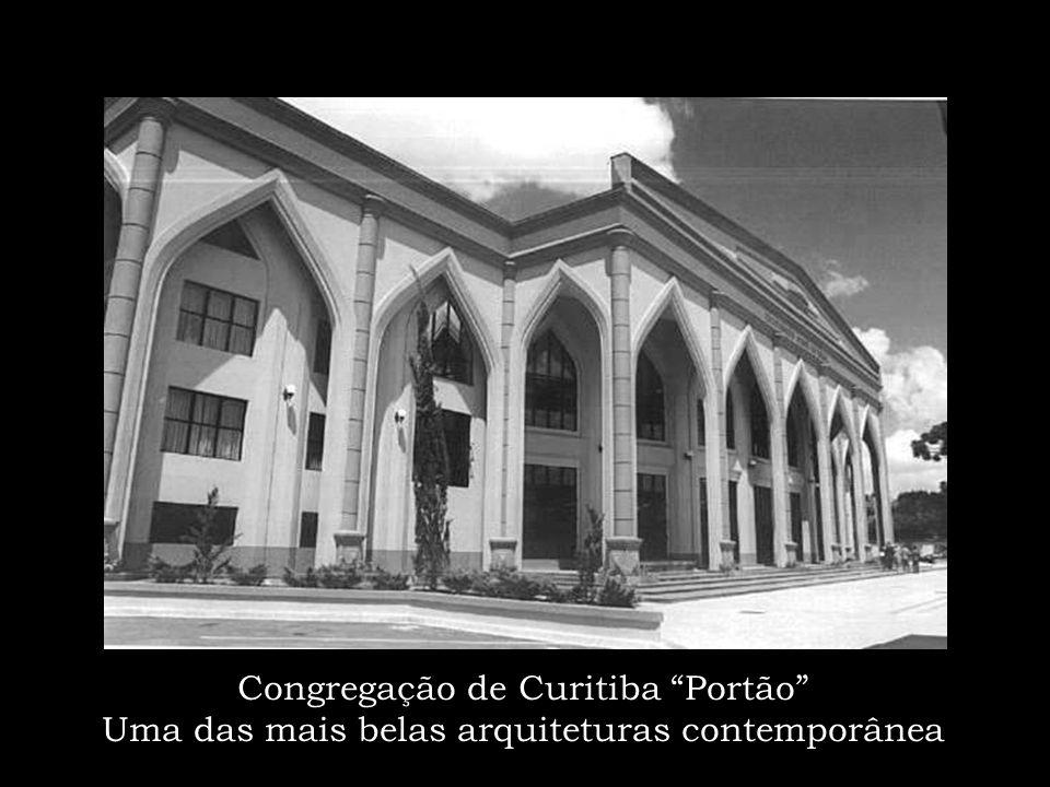 Santo Antonio da Platina: da humilde casinha de madeira a uma bela fachada moderna
