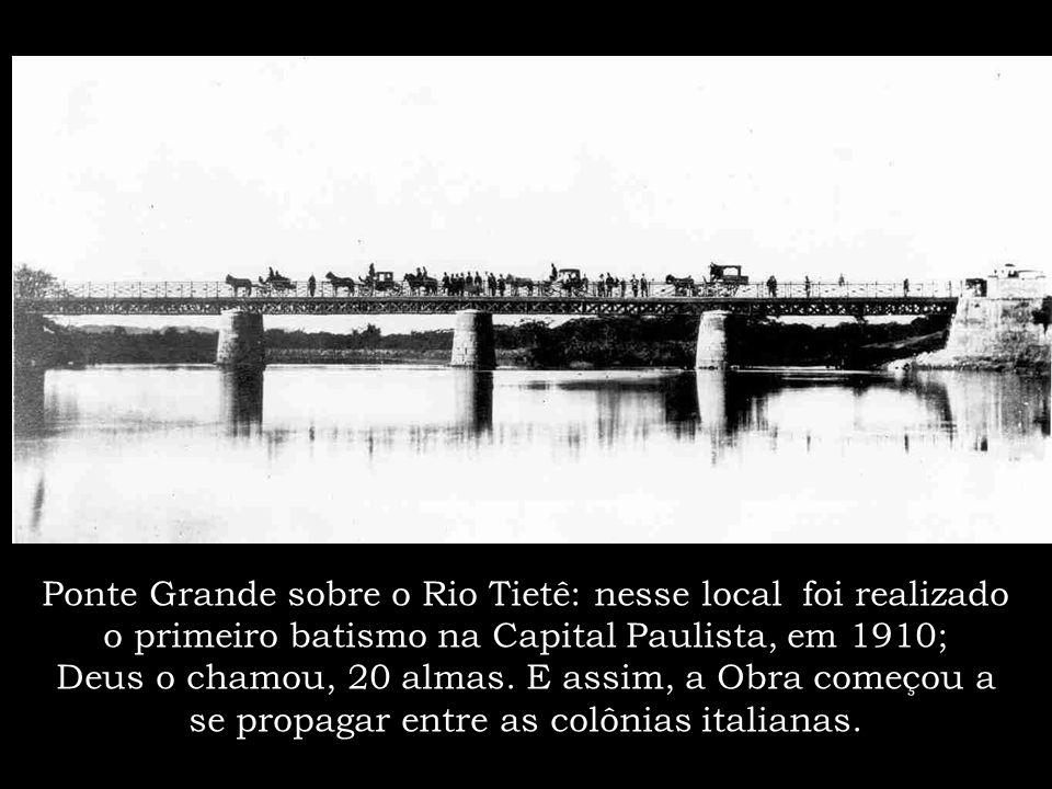 Porém em São Paulo, foi onde a Obra de Deus se formou. Nesse local, num pequeno salão, iniciou-se os primeiros cultos; eram aos domingos à tarde.
