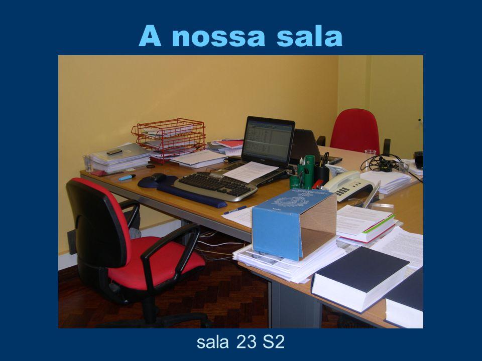 O início do projecto (1999-2000) Ana •FCT •ISLA, Lisboa •Universidade de Oxford (Language Centre) Diana •Doutoramento na área •Projecto Processamento Computacional do Português
