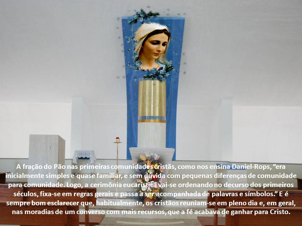 """Como nos narra São Lucas, """"Todos, unânimes, perseveravam na oração com algumas mulheres, entre as quais, Maria, a Mãe de Jesus."""" (At 1,14). Desde cedo"""