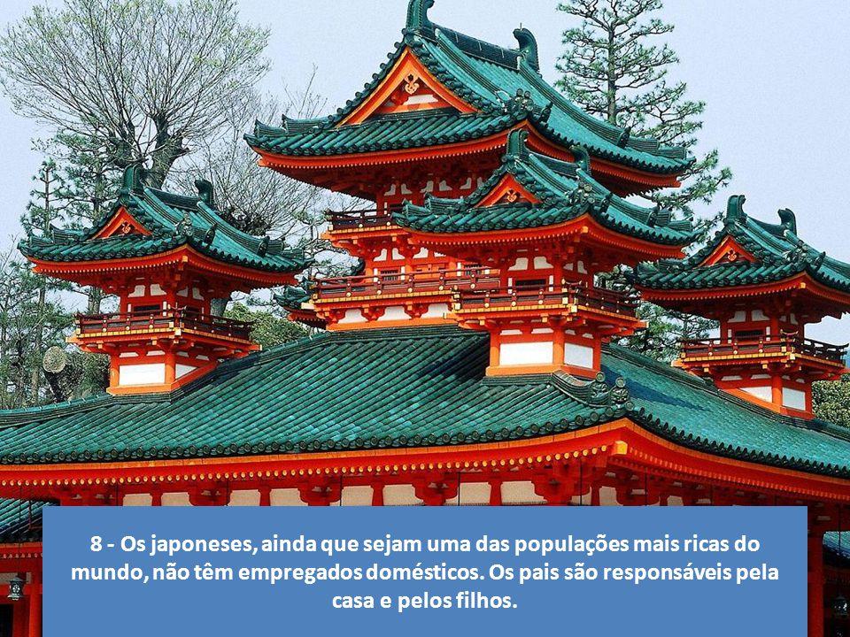 7 - No Japão os alunos do primeiro ao sexto ano devem aprender a ética no trato com as pessoas.