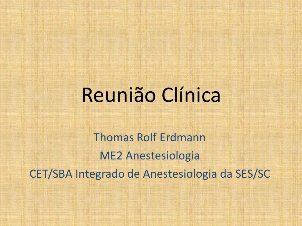 Admissão • C.S.M., 61 anos, feminino, procedente de Florianópolis-SC • HMA – Queda de mesma altura com trauma em joelho E (Fratura de patela) – Sem queixas – Nega: dispnéia, precordialgia, discrasia sanguínea, tabagismo ou uso de álcool – Refere: alergia a AAS • HMP – HAS (Captopril 25mg 12/12h + HCTZ 25mg 1x/d) – DM (Metformina) – Arritmia (Amiodarona 1cp 12/12h) – Ca mama D (quadrantectomia + esvaziamento axilar em 2008) • Cx pregressas: BSA, peridural e AG sem intercorrências • HF negativa para HM 13/10/2010