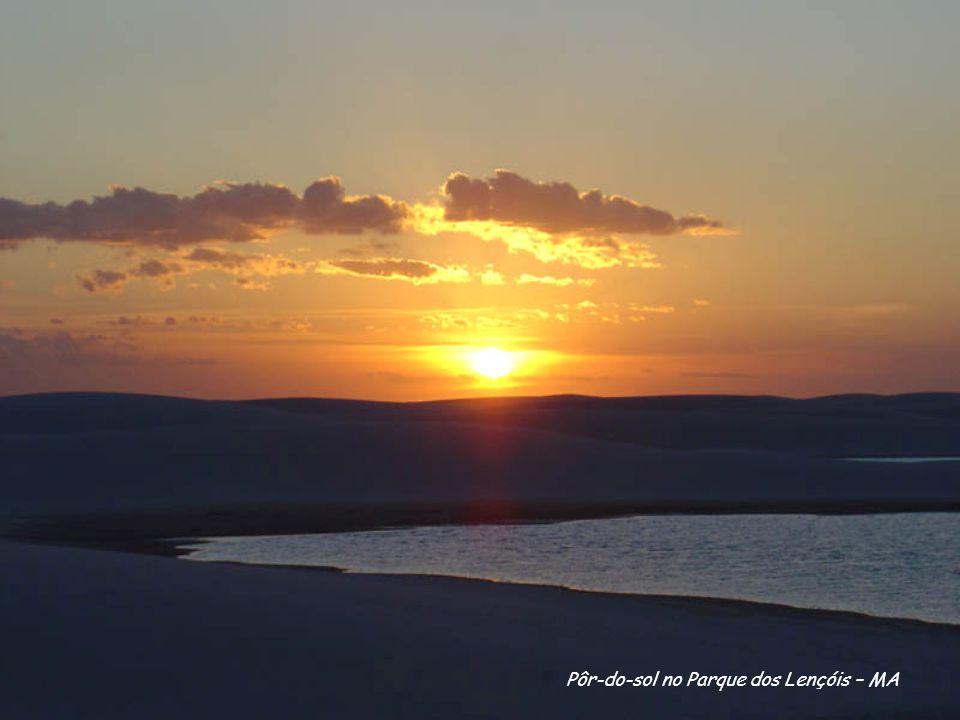 Pôr-do-sol no Parque dos Lençóis – MA