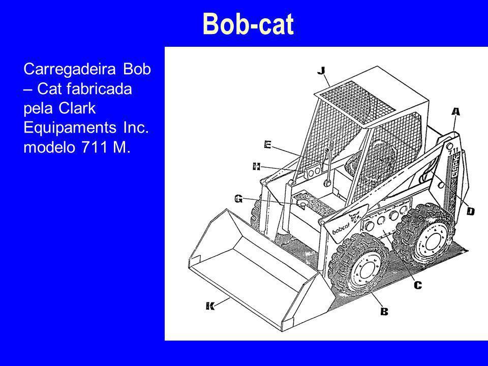 Carregadeira Bob – Cat fabricada pela Clark Equipaments Inc. modelo 711 M. Bob-cat