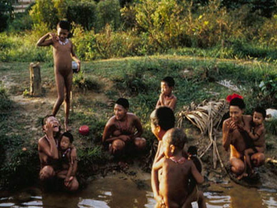 """""""Quando uma mulher de certa tribo da África sabe que está grávida, segue para a selva com outras mulheres e juntas rezam e meditam até que aparece a """""""