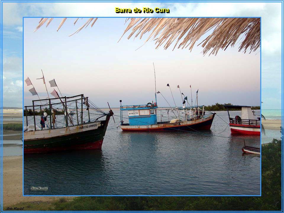 Paracuru está a 84 km de Fortaleza – Litoral Oeste. É a única cidade à beira mar além da capital. São 20 km de costa. Dona de um dos carnavais mais an