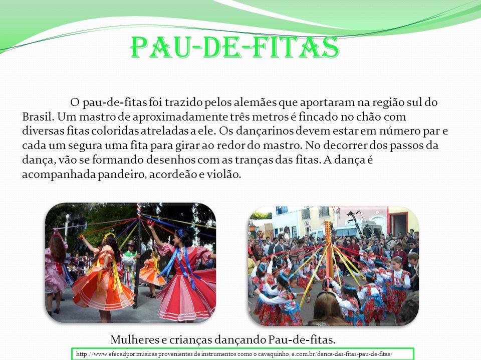 Pau-De-Fitas O pau-de-fitas foi trazido pelos alemães que aportaram na região sul do Brasil.