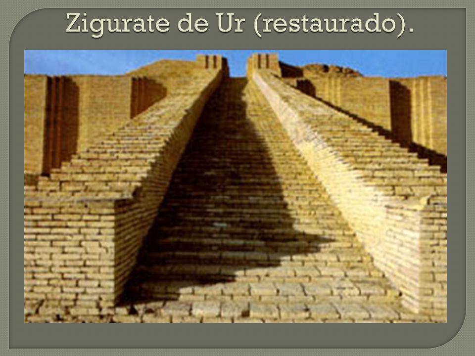 Os túmulos apresentam-se em três categorias:  Pirâmide: túmulo real, destinado ao faraó;  Mastaba: túmulo para a nobreza e os sacerdotes;  Hipogeu: túmulo destinado às pessoas comuns do povo.
