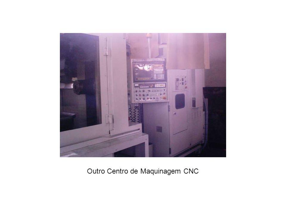 Outro Centro de Maquinagem CNC