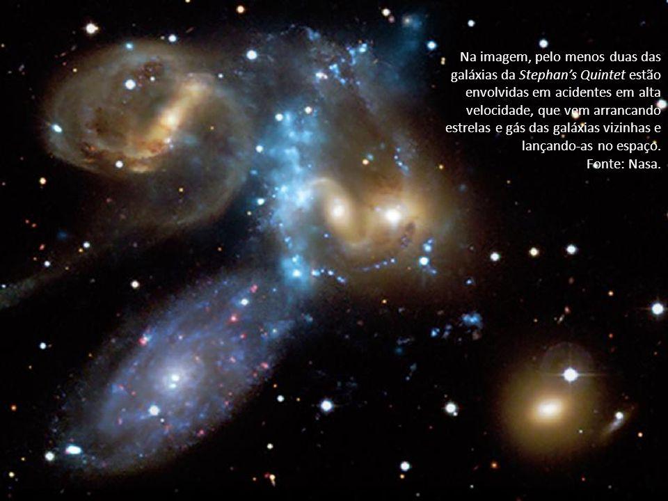 Na imagem, pelo menos duas das galáxias da Stephan's Quintet estão envolvidas em acidentes em alta velocidade, que vem arrancando estrelas e gás das galáxias vizinhas e lançando-as no espaço.