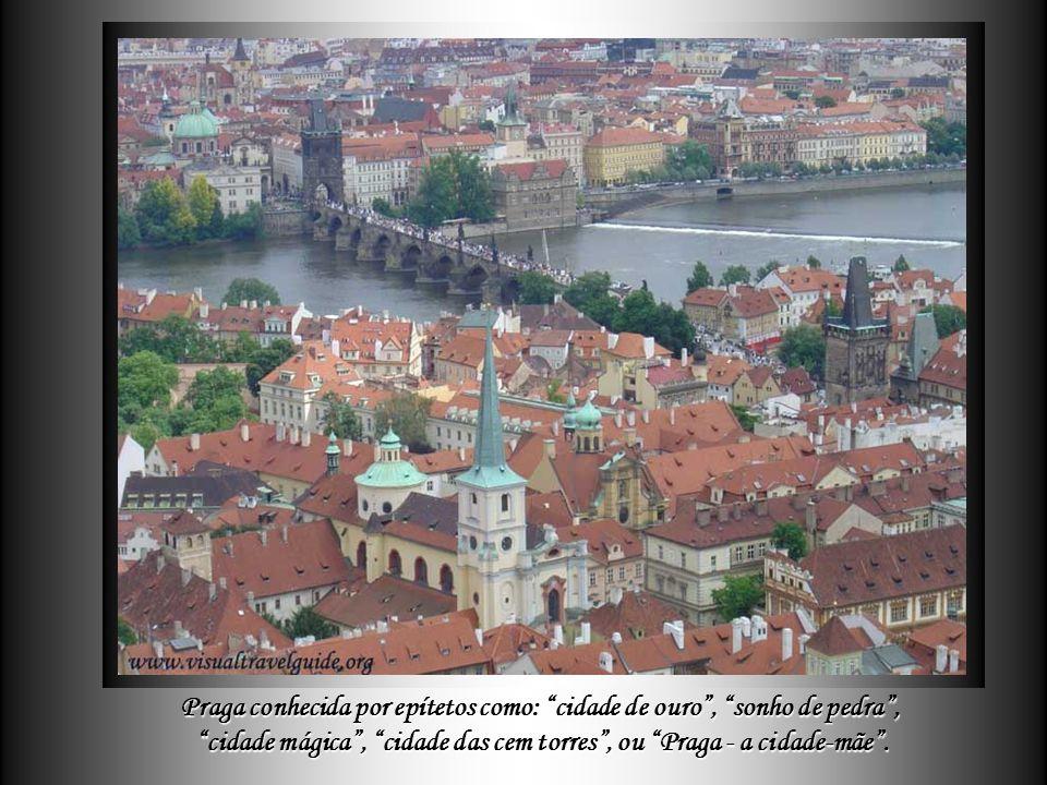Praga, Praga, capital da República Tcheca, é uma cidade moderna e, ao mesmo tempo, verdadeira relíquia da Arquitetura.