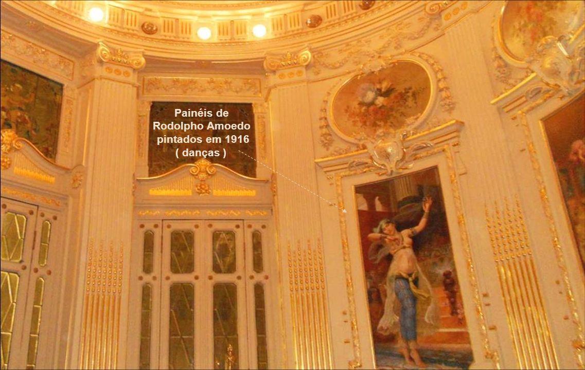 Painéis de Rodolpho Amoedo pintados em 1916 ' Danças '
