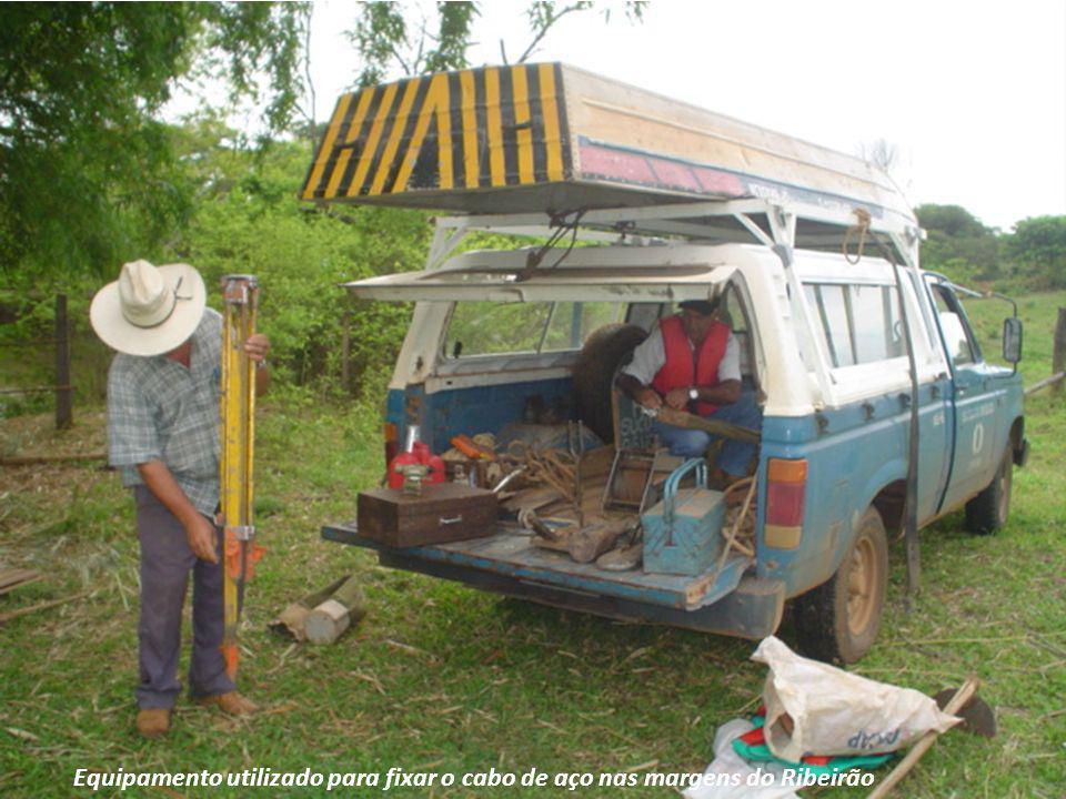 Equipamento utilizado para fixar o cabo de aço nas margens do Ribeirão