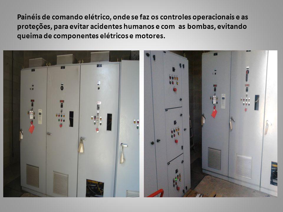 Painéis de comando elétrico, onde se faz os controles operacionais e as proteções, para evitar acidentes humanos e com as bombas, evitando queima de c