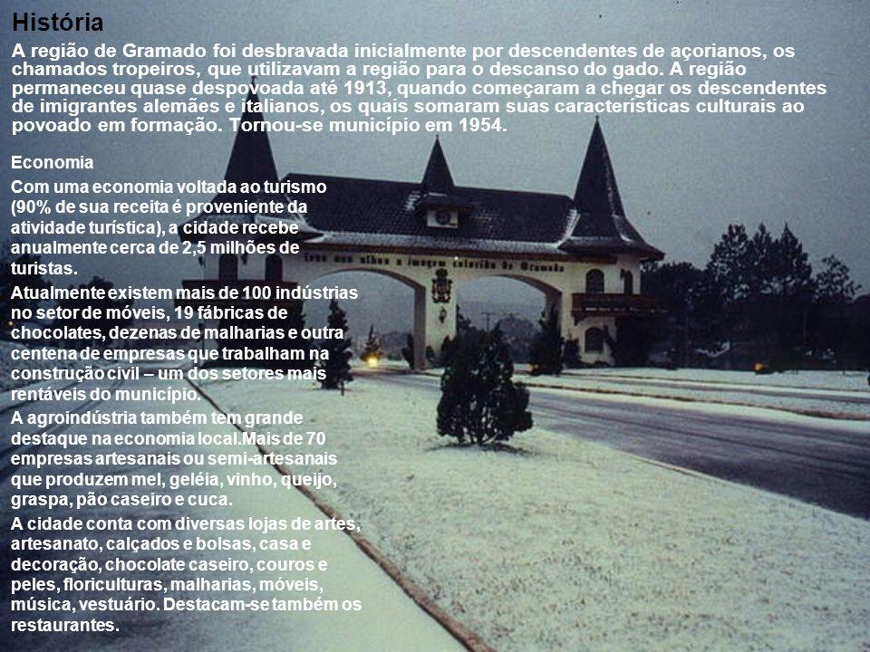 História A região de Gramado foi desbravada inicialmente por descendentes de açorianos, os chamados tropeiros, que utilizavam a região para o descanso do gado.