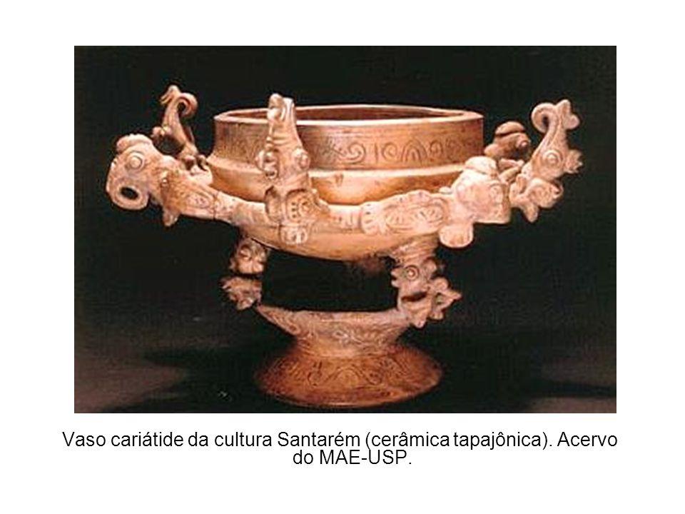 Vaso cariátide da cultura Santarém (cerâmica tapajônica). Acervo do MAE-USP.
