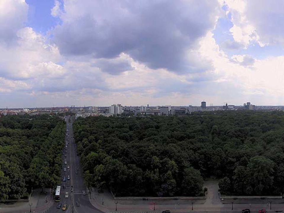 Berlin, capital da Alemanha, exceto nos anos da divisão em que Bonn da Alemanha do Oeste e Berlin do Leste.