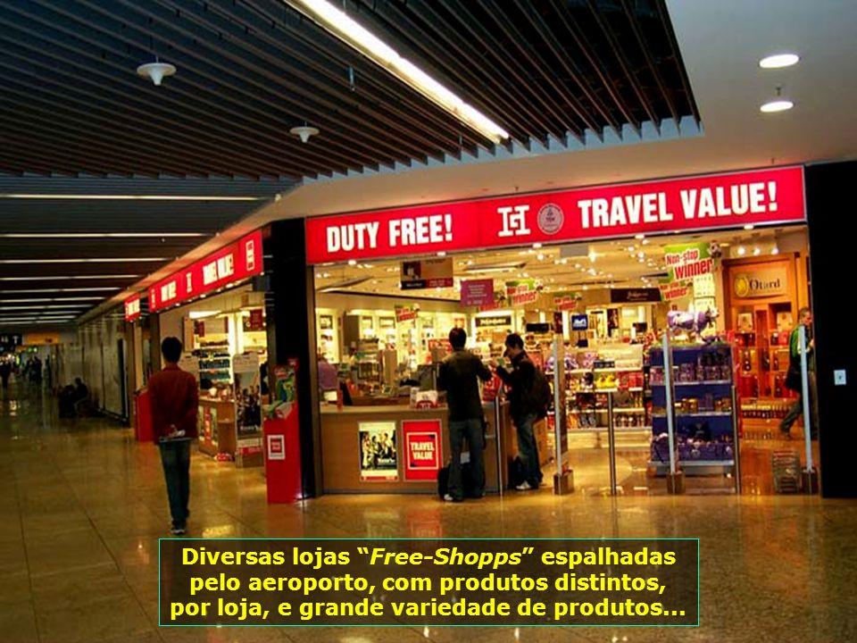 Lindas lojas compõem seu complexo comercial...