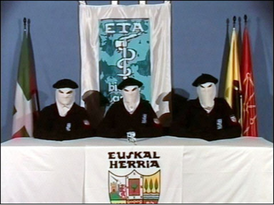 A organização Euskadi Ta Askatasuna, mais conhecida pela sigla ETA, (Pátria Basca e Liberdade) é um grupo armado clandestino e ilegal, de ideologia in