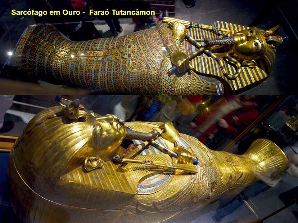 Tutankamon Sarcófago em Ouro - Faraó Tutancâmon