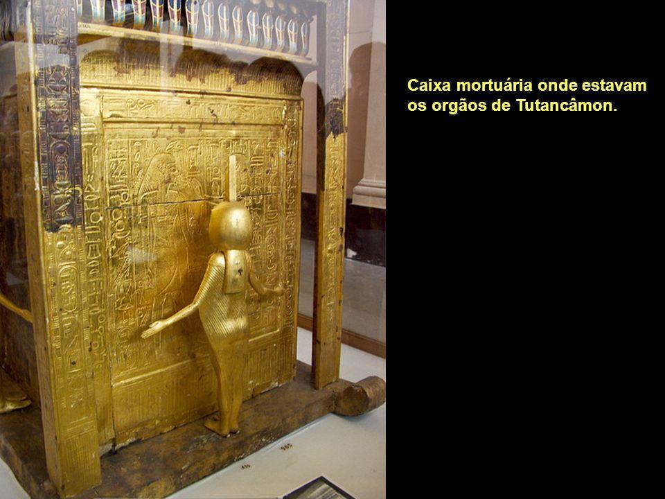 Caixa mortuária onde estavam os orgãos de Tutancâmon.