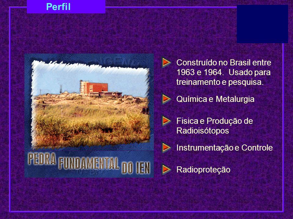 Construído no Brasil entre 1963 e 1964. Usado para treinamento e pesquisa. Química e Metalurgia Fisica e Produção de Radioisótopos Instrumentação e Co