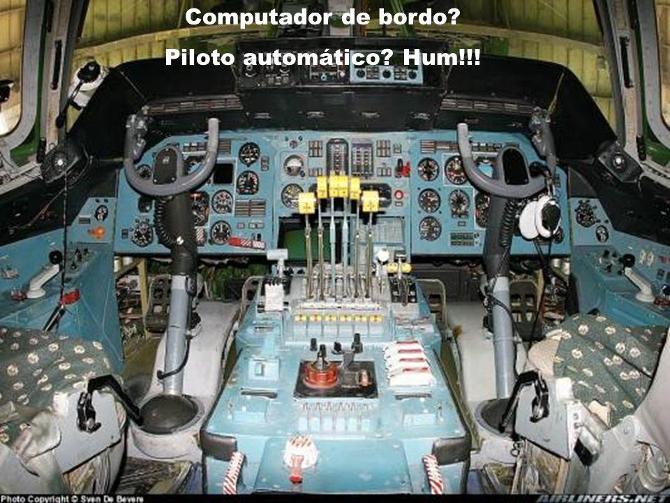 A sala de comando (lembre-se que ele foi fabricado na época da guerra fria...).