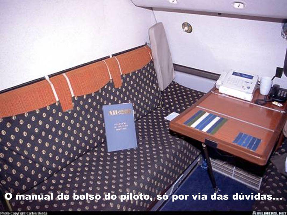 COMPARE COM O PAINEL DE UMA AERONAVE MODERNA !
