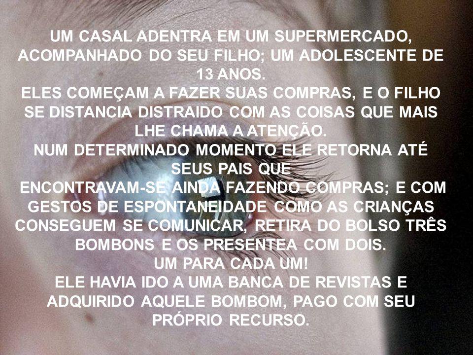 UM CASAL ADENTRA EM UM SUPERMERCADO, ACOMPANHADO DO SEU FILHO; UM ADOLESCENTE DE 13 ANOS.